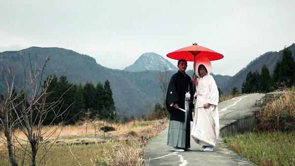 Kenichi Ayaka Weeding Otari