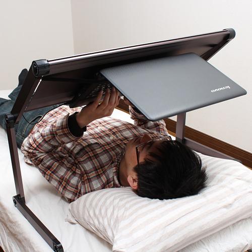 gorone desk faire du pc confortablement dans son lit c 39 est possible. Black Bedroom Furniture Sets. Home Design Ideas