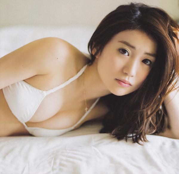 Yuko-Oshima-002